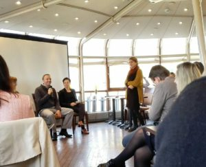 S-ryhmän tiedotustilaisuudessa Andy Hall ja Lea Rankinen kertoivat näkemyksiä yritysten eettiseen vastuuseen. Keskustelua veti Hanna Nikkanen.